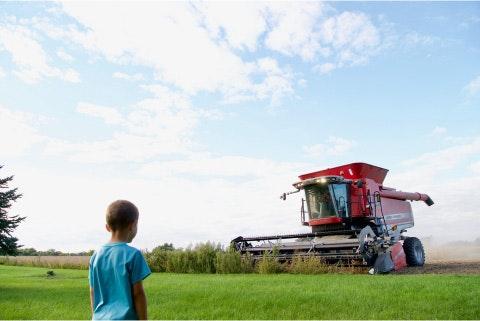 farm-machinery-show-combine-child